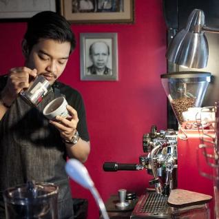 Kozi Coffee dapat menjalankan bisnisnya dengan lancar berkat Moka Capital