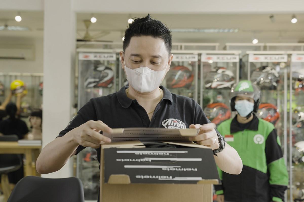 Bisnis helm yang dapat berjalan baik secara online melalui bantuan dari aplikasi POS Moka