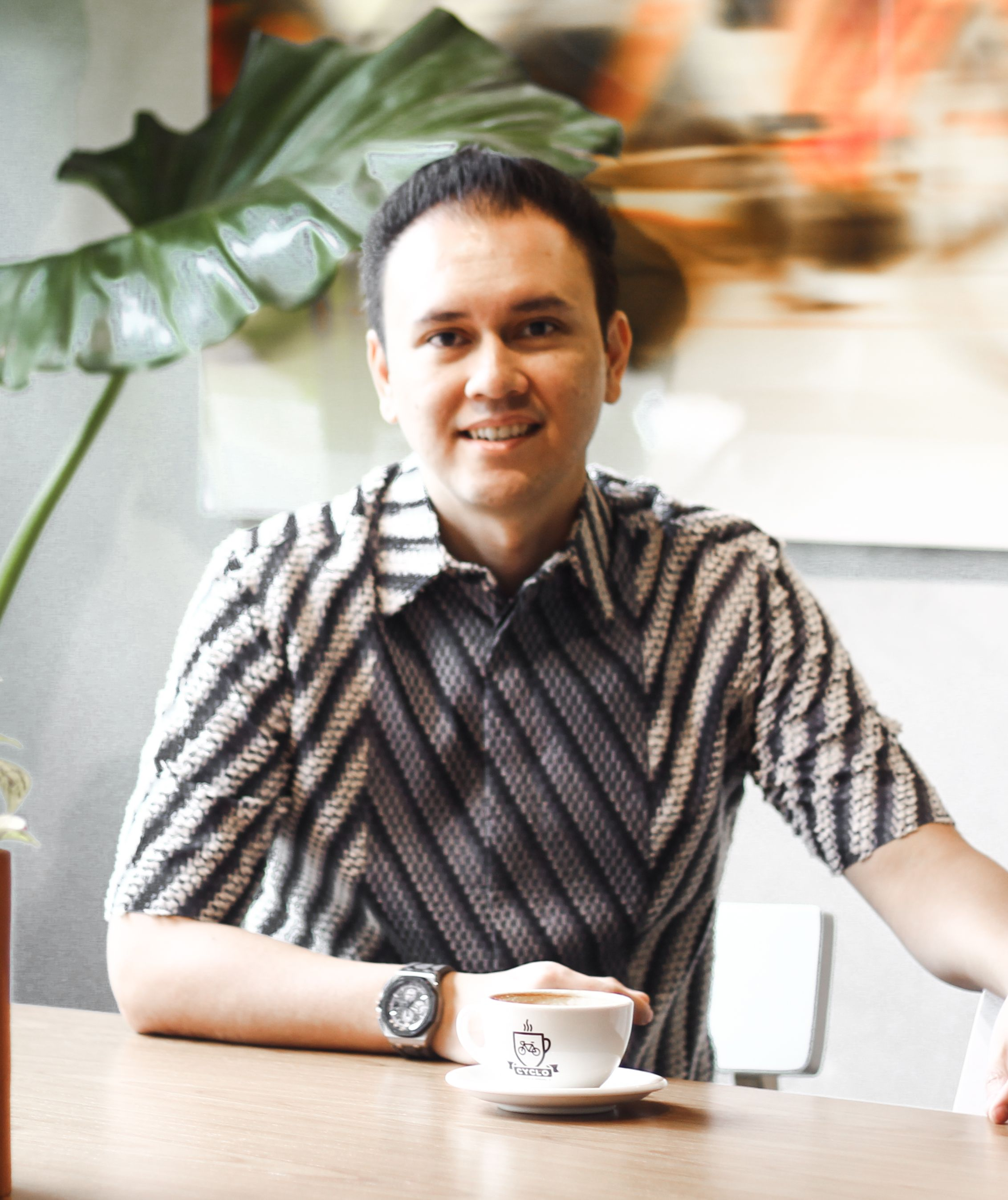 Hanin is the founder & owner of Cyclo Coffee and Apparel who was helped by Moka Capital to grow his coffee & clothing business